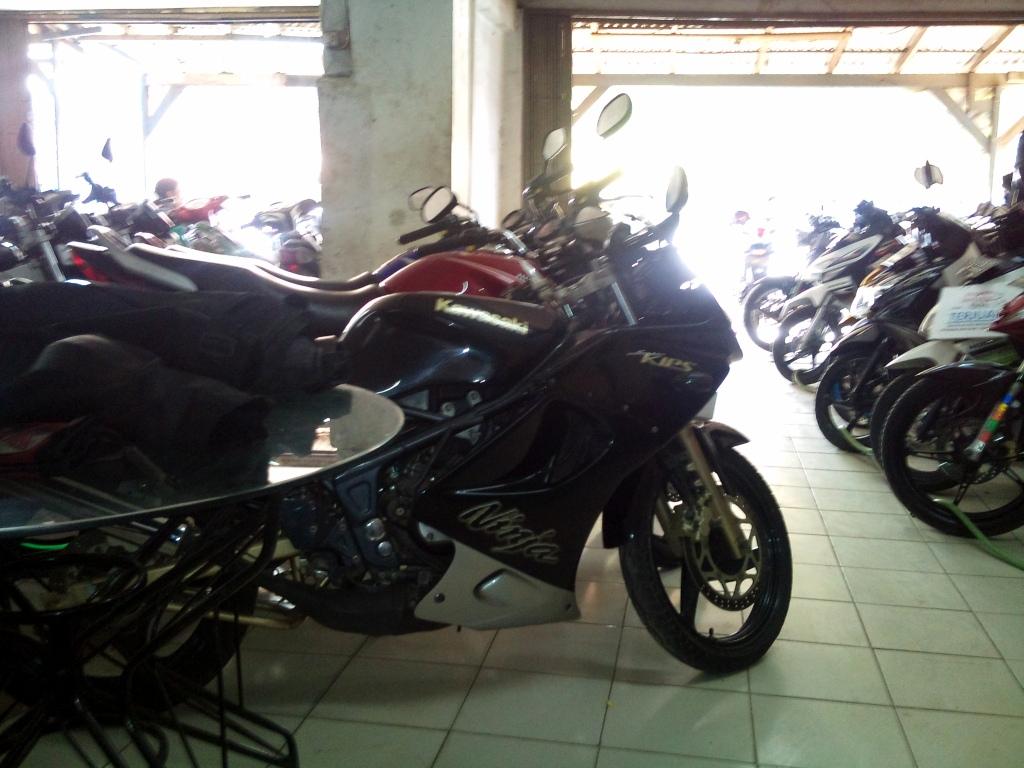 Harga Motor Kawasaki Ninja 150 RR 2014 Oktober 2014